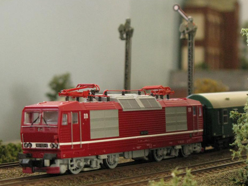 Electric locomotive DR class 230 - [11001]
